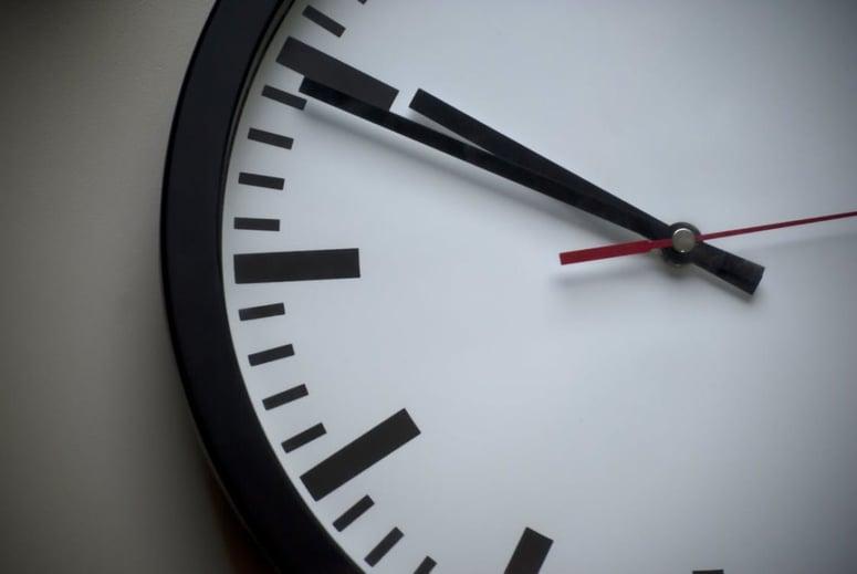 clock showing 9:49
